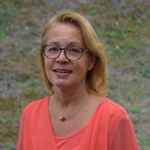 Helga Altenhoff, Erzieherin